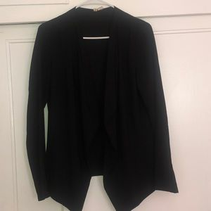 Lightweight black blazer- pleated
